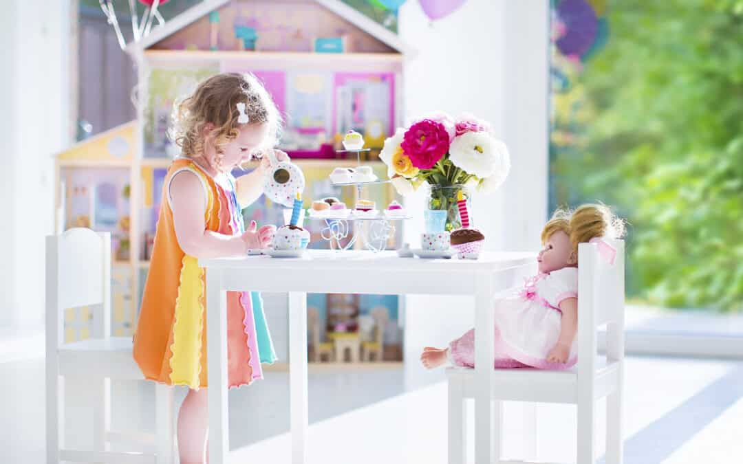 What You Need For a Great Dollhouse